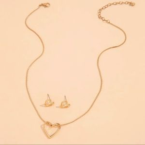 3/$30 💛 Heart Necklace and Earrings Set